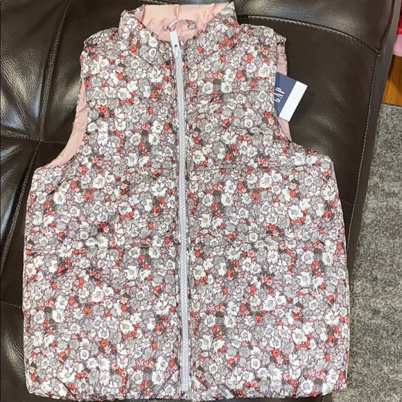 GAP Other - NWT Gap size 5T water resistant vest